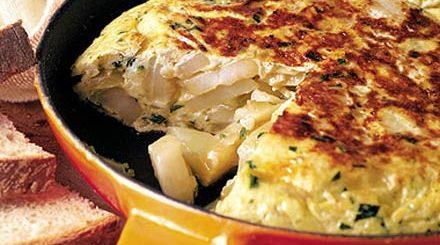 spanish omelet, Tortilla Espanola. arthur schwartz, the three tomatoes
