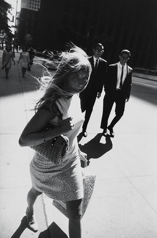 Mid-Century New York in Black and White, garry winogrand, metropolitan museum of art, the three tomatoes