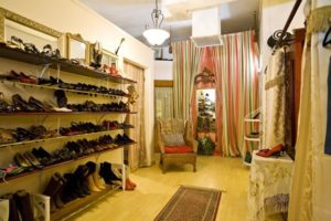 shopping at Encore Nouveau, womens clothes, womens accessories, debbie zipp, the three tomatoes