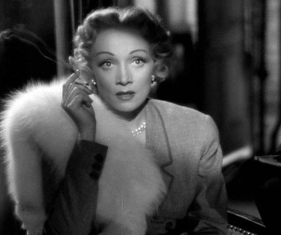 LIZ SMITH: Dietrich, Tomlin, Lee, and Love