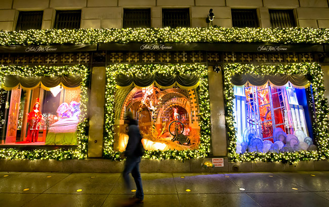4-saks-fifth-ave-holiday-windows_650