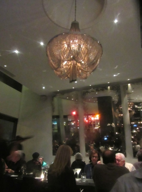 Theo's Restaurant & Oyster Bar: UES Rejoices!