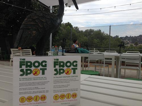 LA LIFE: Frog Spot, Origami, Casa Shopping