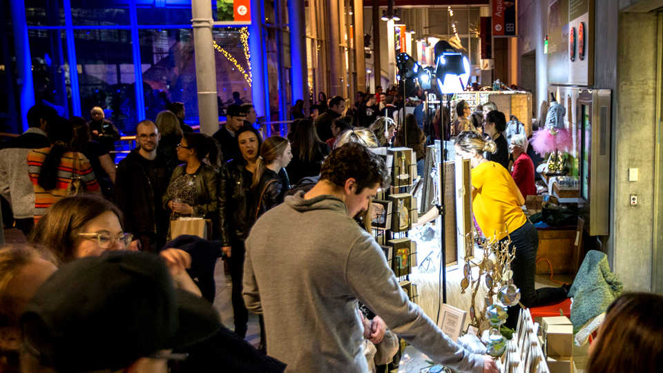 SF LIFE: Holiday Fairs, Holiday Entertainment, Jewelry Discount!