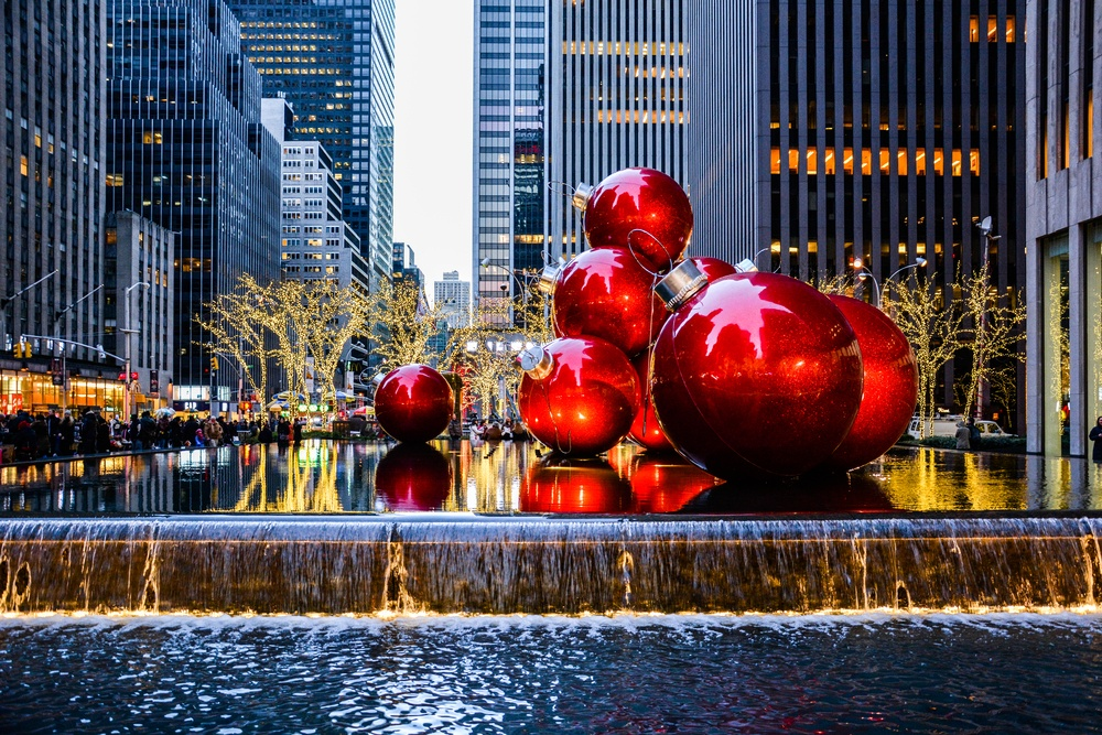 NYC LIFE: Holiday Markets, Holiday Bars, Cher, Martinis & Chocolate