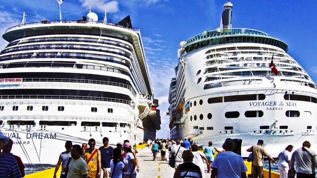 Cruise vs Land: The Smarter Way to See the World