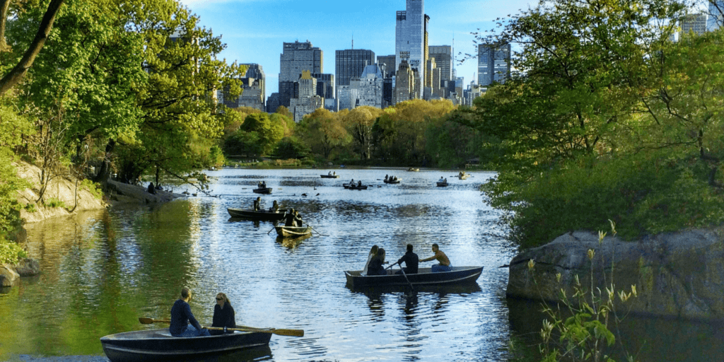 NYC LIFE: Hamptons Wildlife, Cabaret, Castles, France, Broadway Outdoors and More