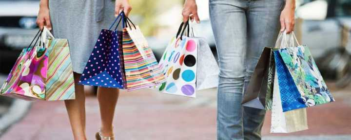 Seven Tips for Shopping on Vacation