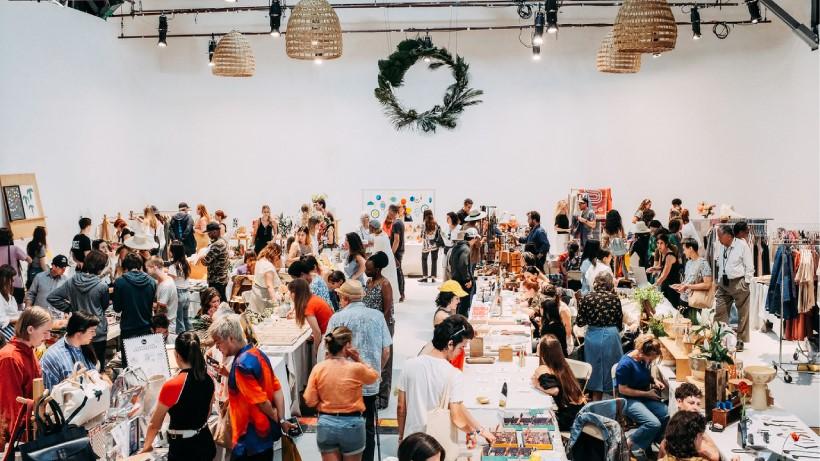 LA LIFE: Holiday Photos, Cocktails, Markets, Concerts & Walks