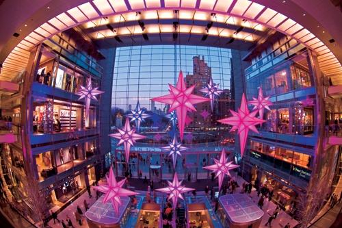 NYC LIFE: Broadway, Museums, Holiday Fun
