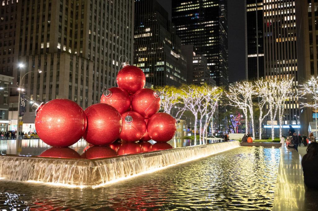 NYC LIFE:  It's the Holiday Season