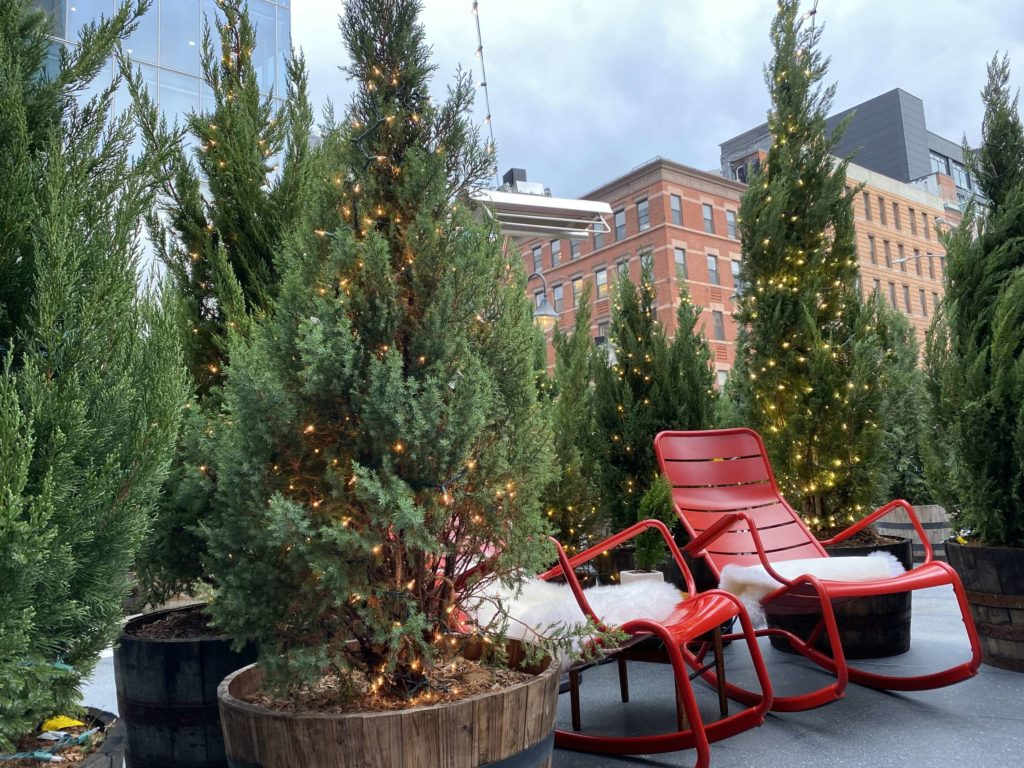 NYC LIFE: Let It Snow, Gael Greene, Streaming Entertainment, Holiday Lights and More