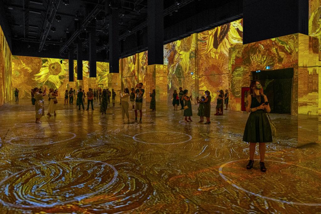 SF LIFE: Easter, Films, Van Gogh, Virtual Garden